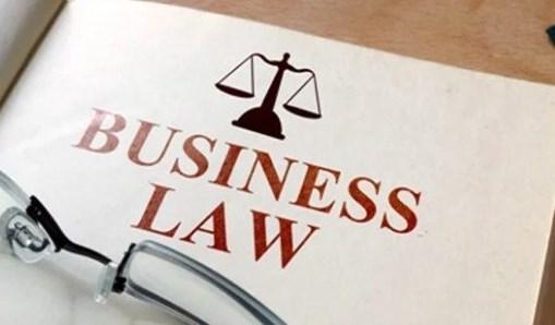 Perbedaan-Hukum-Dagang-dan-Hukum-Bisnis